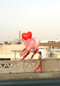 balloon heart lady